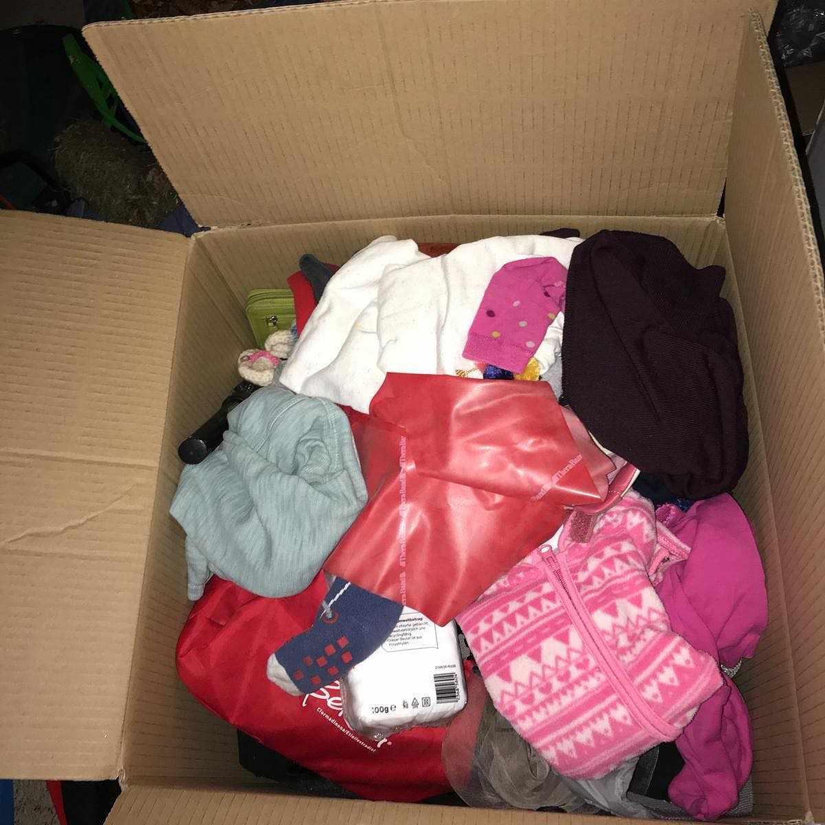 image of Cardboard, clothes, Garde - Stocksund