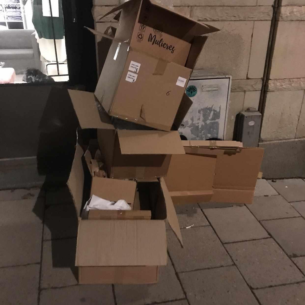image of Kartong, plast, lastpall - Stockholms Stad