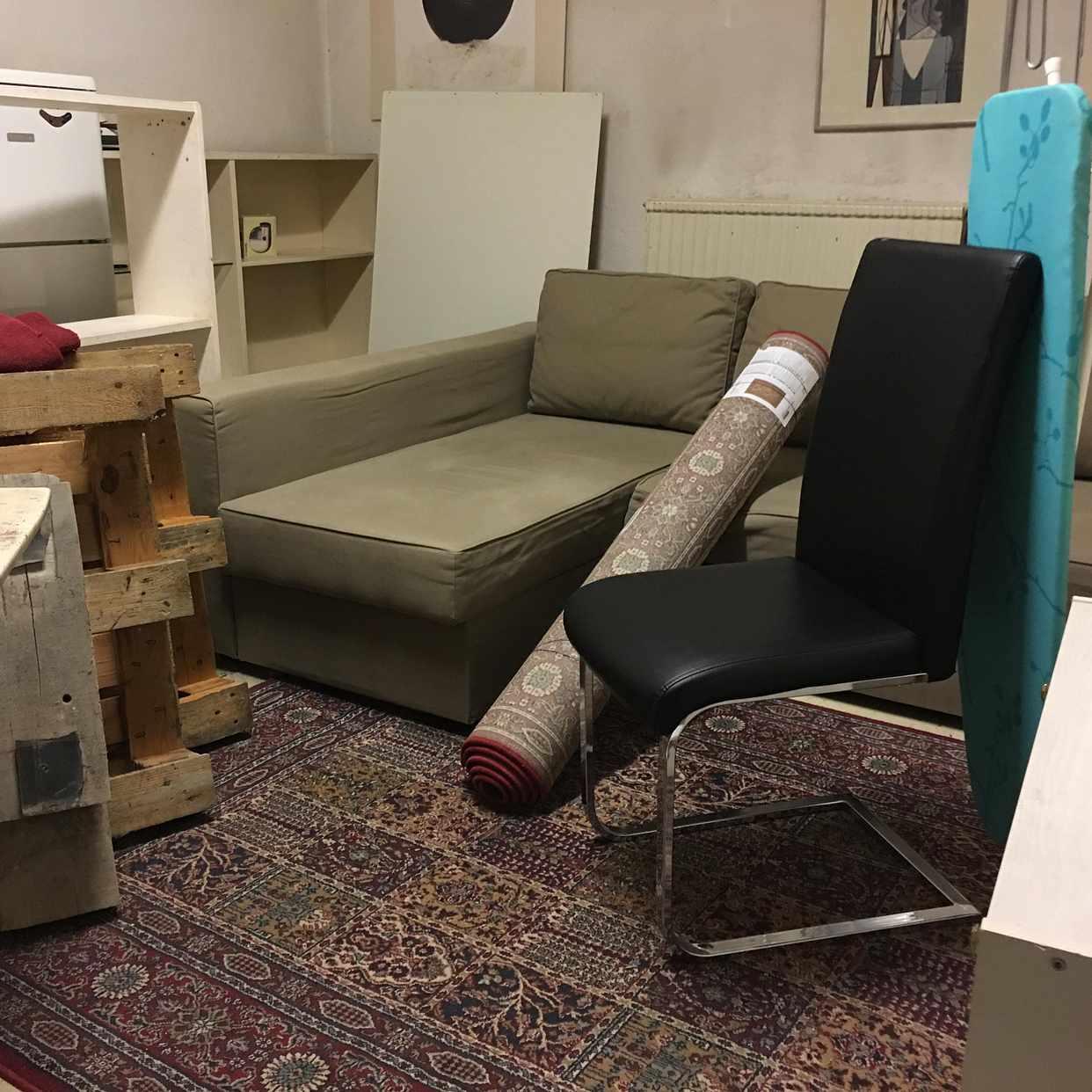image of Bäddsoffa, stolar, annat - Stockholm