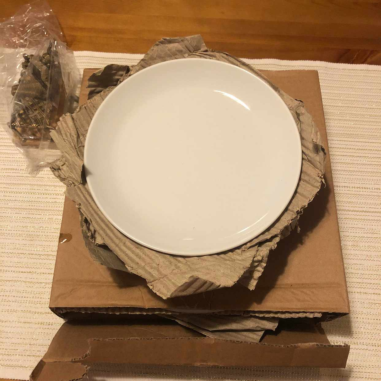 image of Some ikea plates and pan - Stockholm