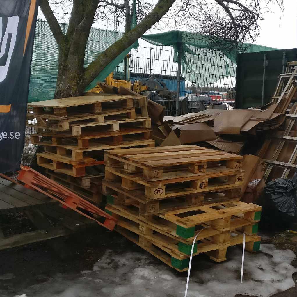 image of Kartonger, stål, pallar, - Haninge