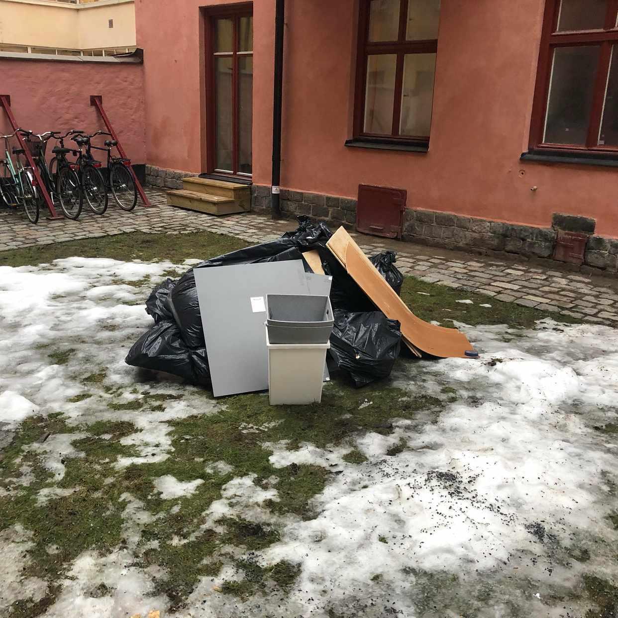 image of Påsar till tippen - Stockholms Stad