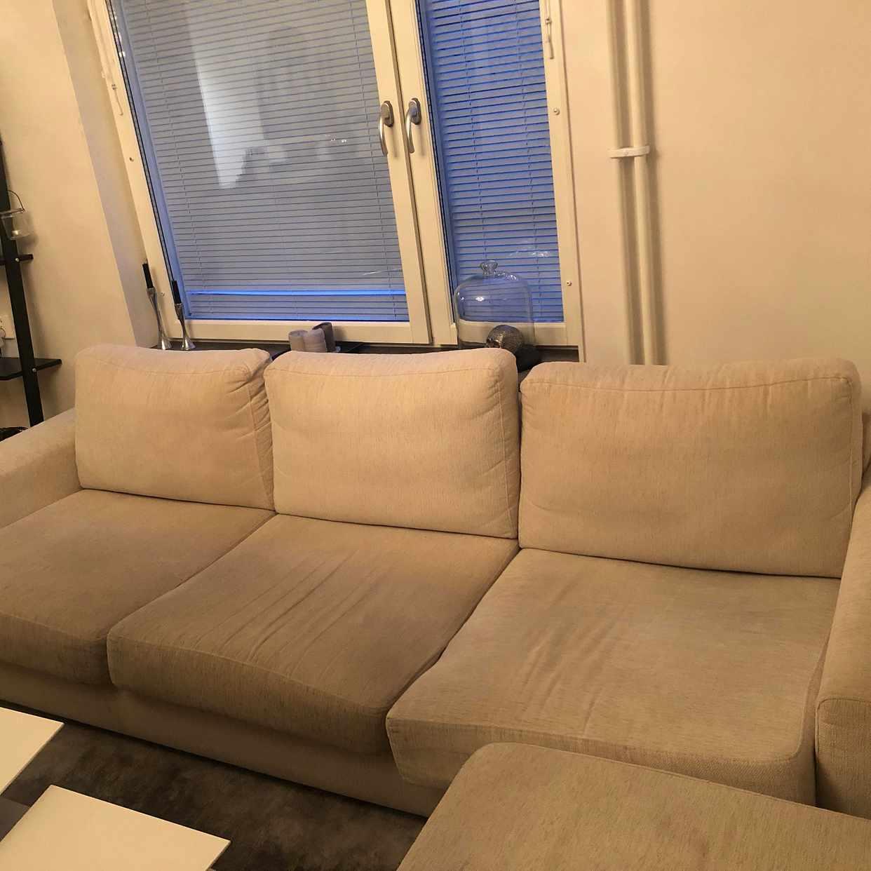 image of Stor soffa hämtas/slängas - Stockholms Stad