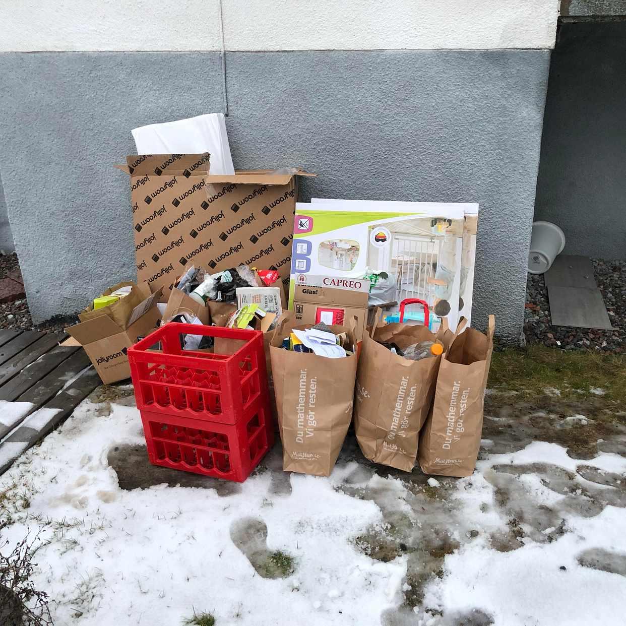 image of Kartonger, plast etc - Hägersten