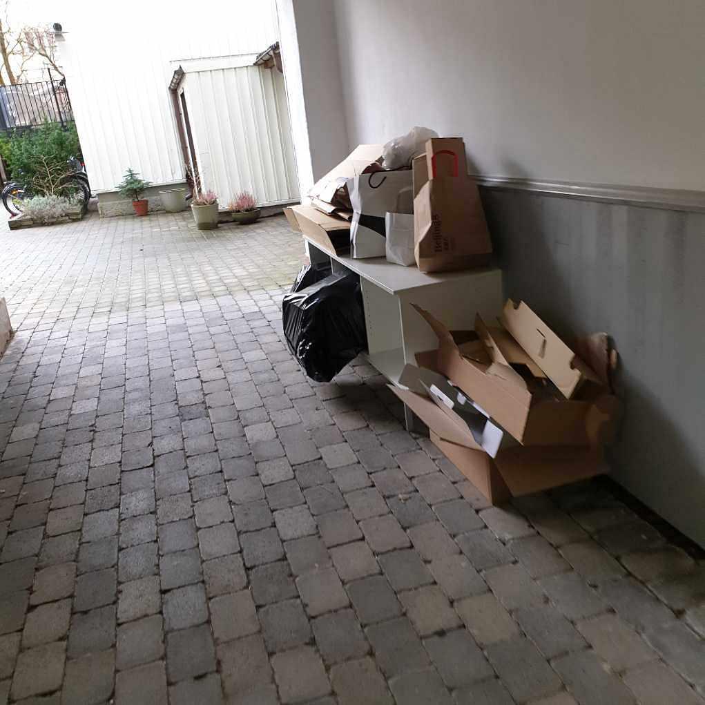 image of Karboard and o tv bench - Göteborg