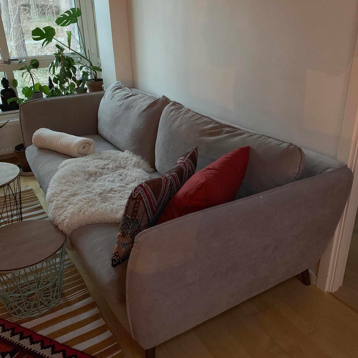 image of Återvinning + Soffa - Hässelby