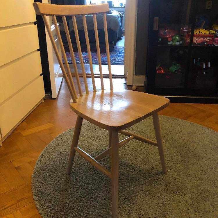 image of Två stolar -