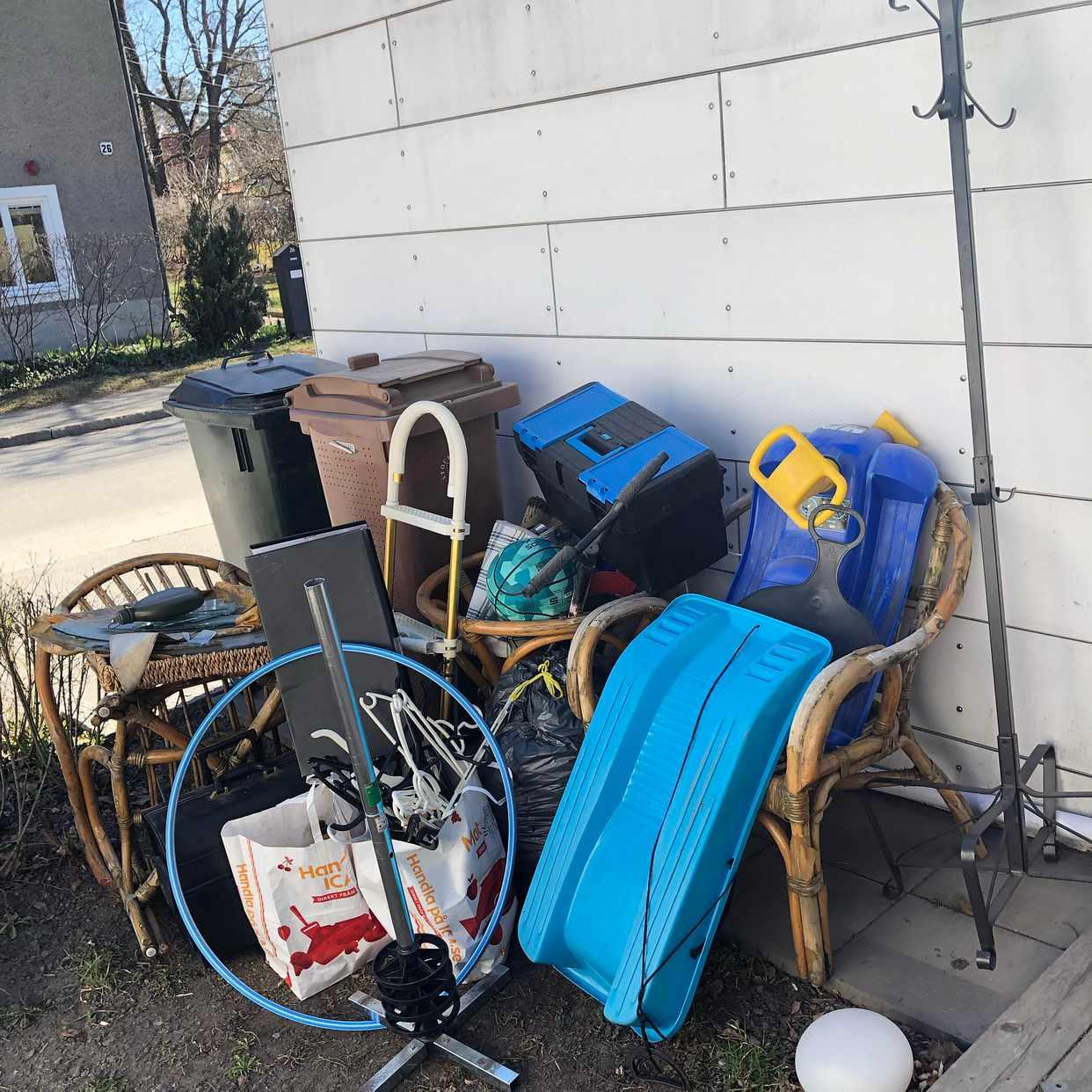 image of Blandat skräp/återvinning - Enskededalen