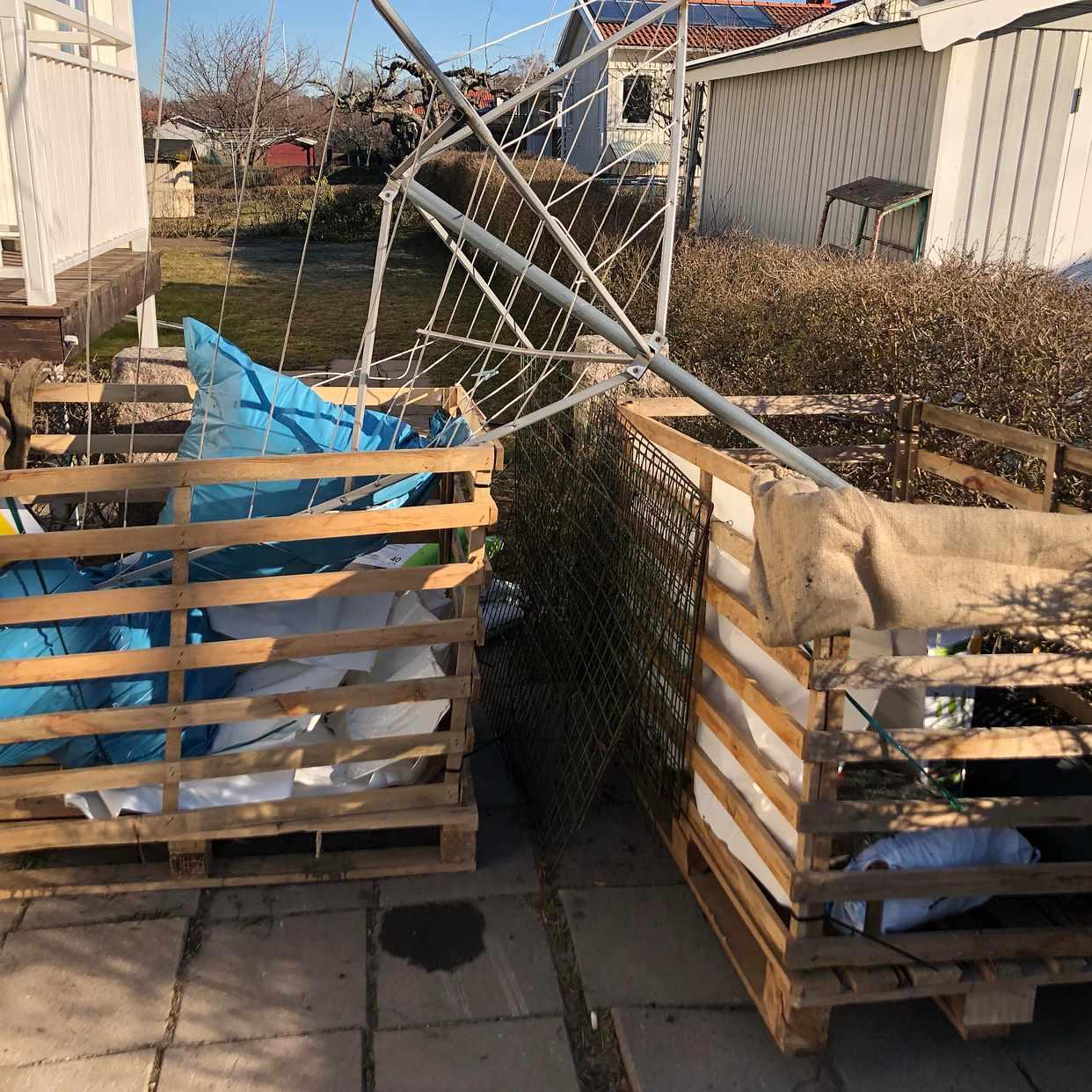 image of 2 pallets + waste - Enskede