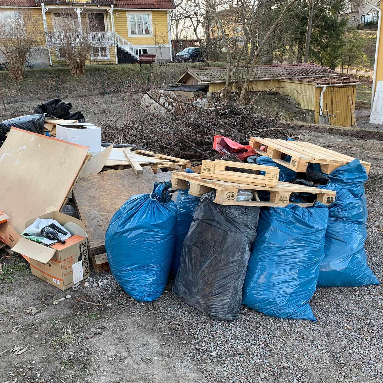 image of Blandat från trädgård - Djursholm