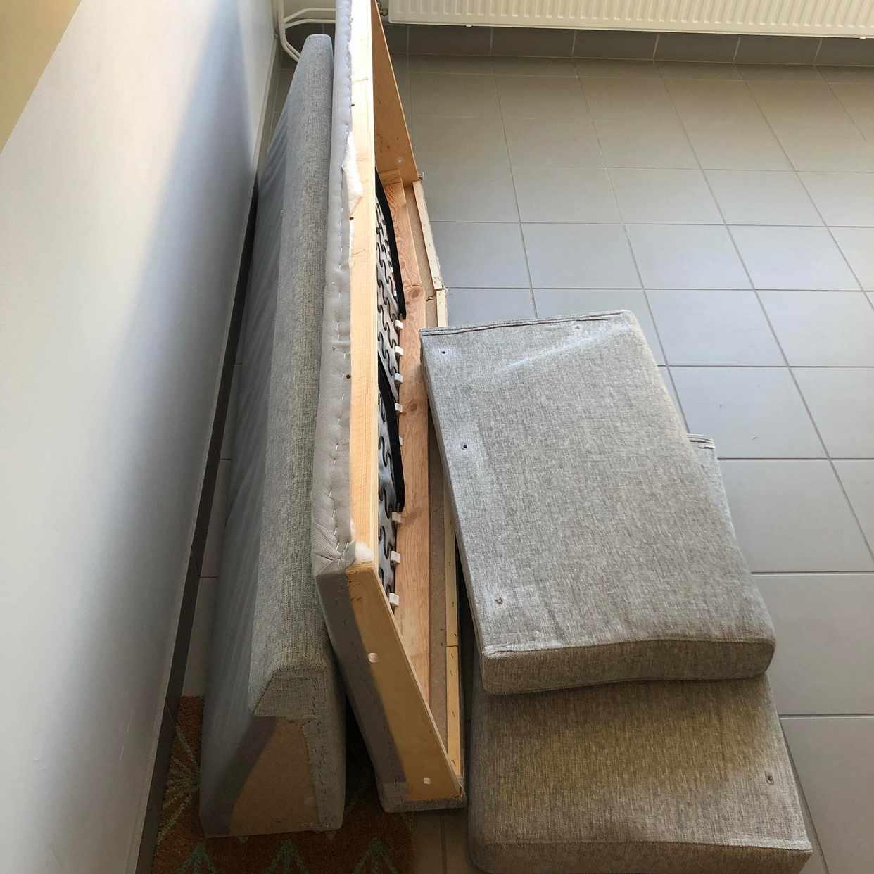 image of Soffa i delar till tippen - Hägersten
