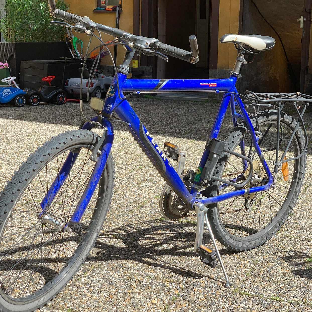 image of 2 cyklar bortskänkes - Stockholm