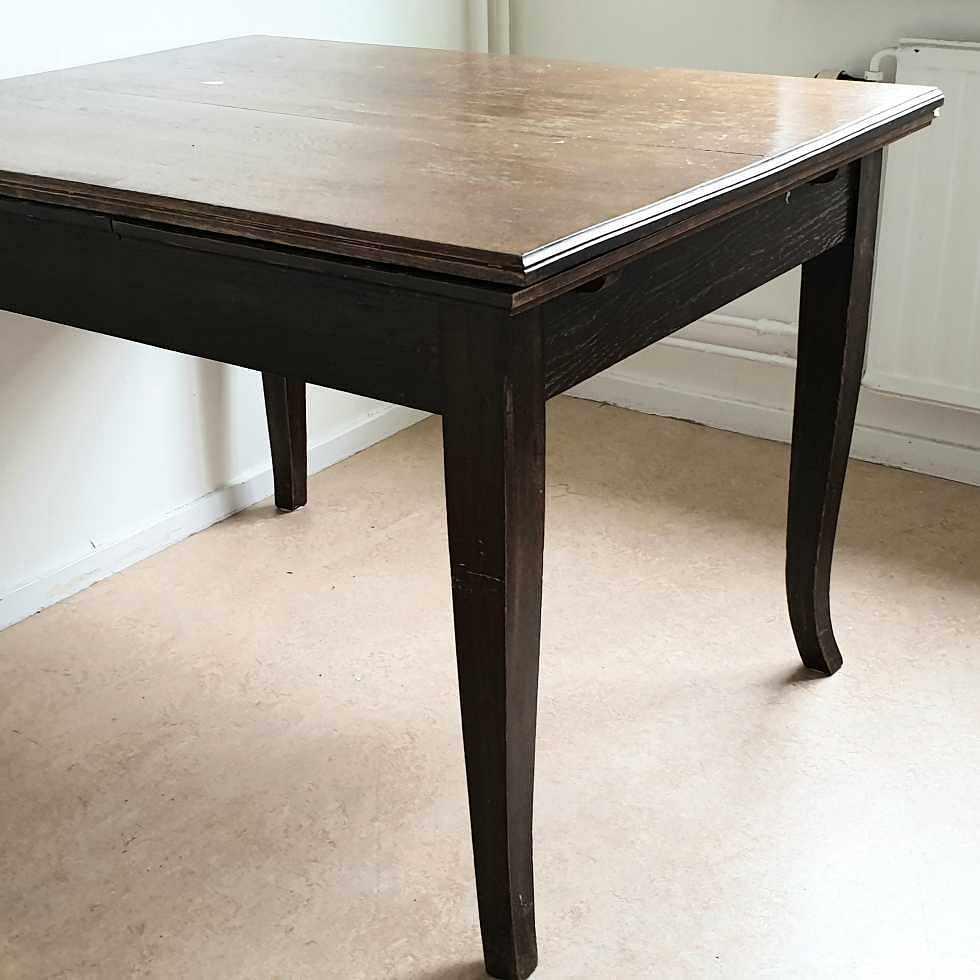 image of Rustikt bord i trä - Mölndal