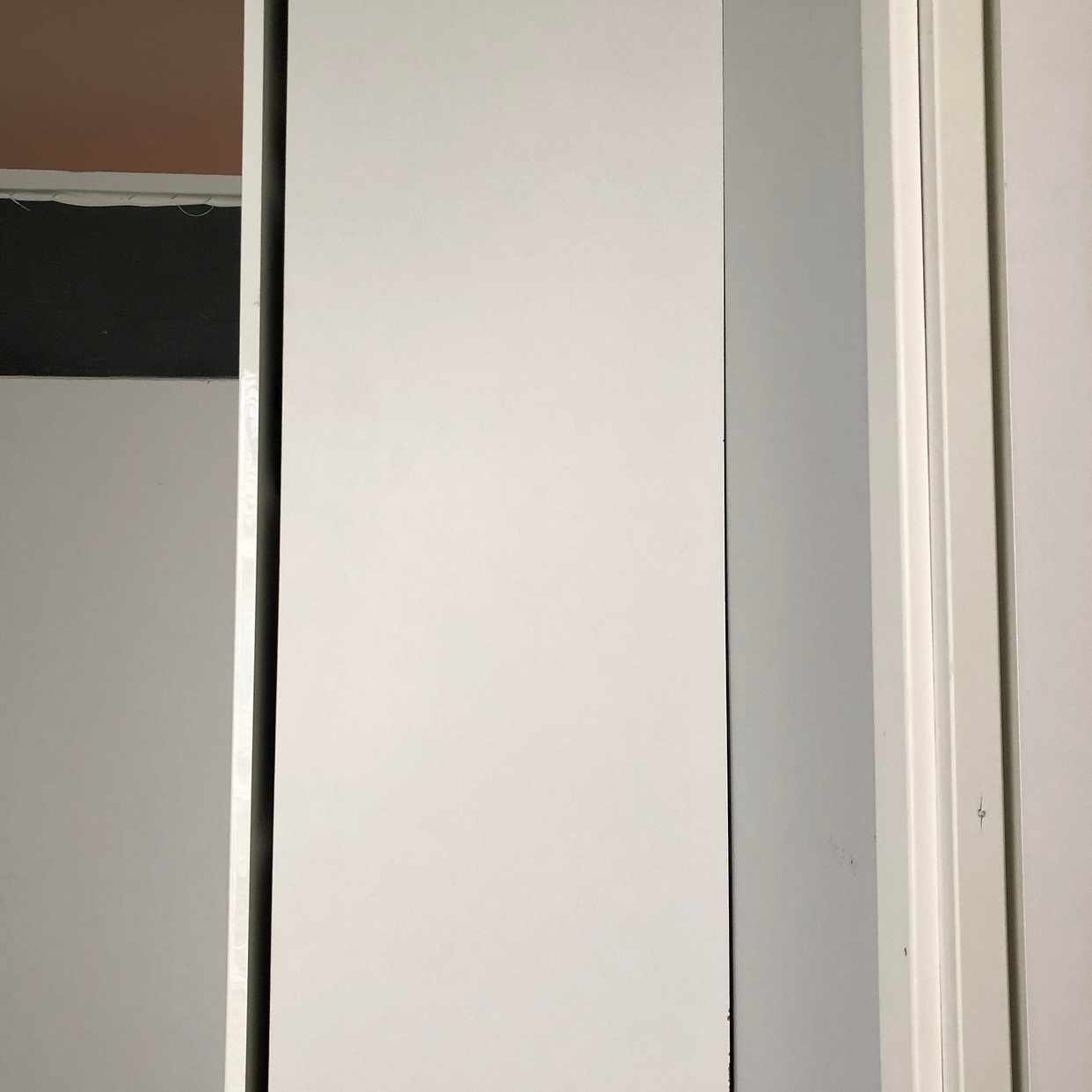 image of 2 garderober -