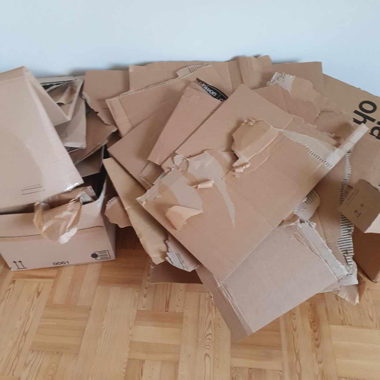 image of Empty cardbox boxes, etc - Bromma