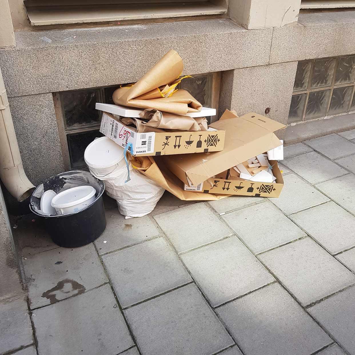 image of kartonger, hink - Stockholm