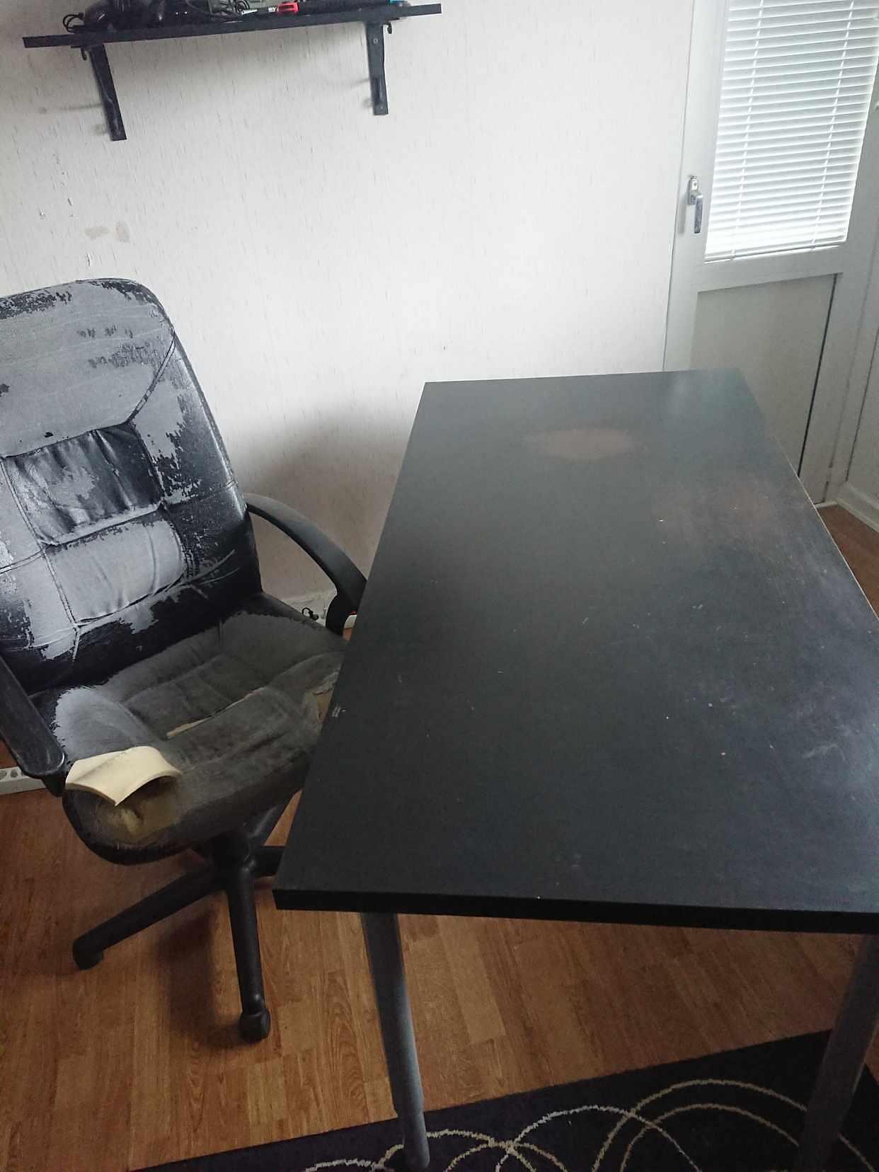 image of Skrivbord & stol - Järfälla