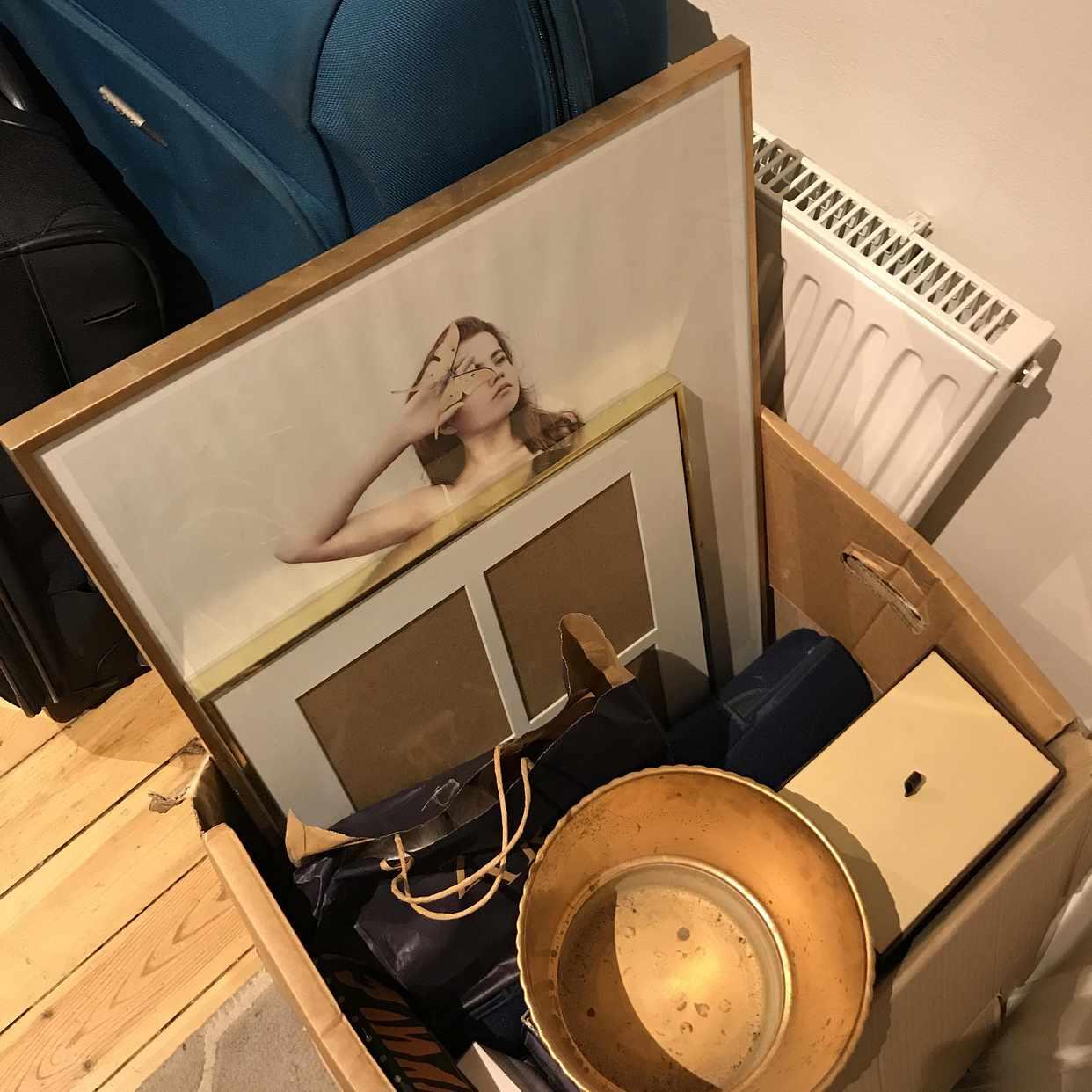 image of Fina resväskor + tavlor - Stockholms Stad