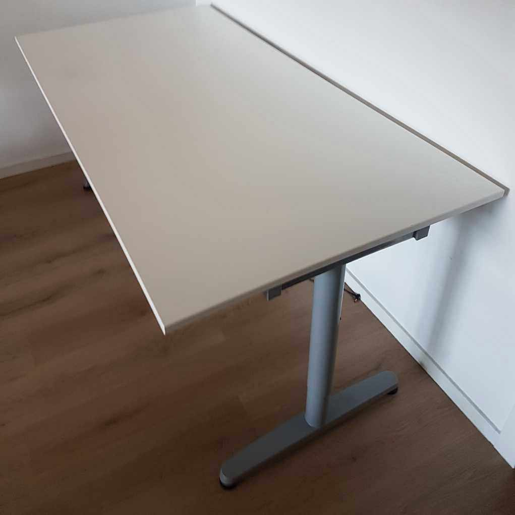 image of IKEA skrivbord - Handen