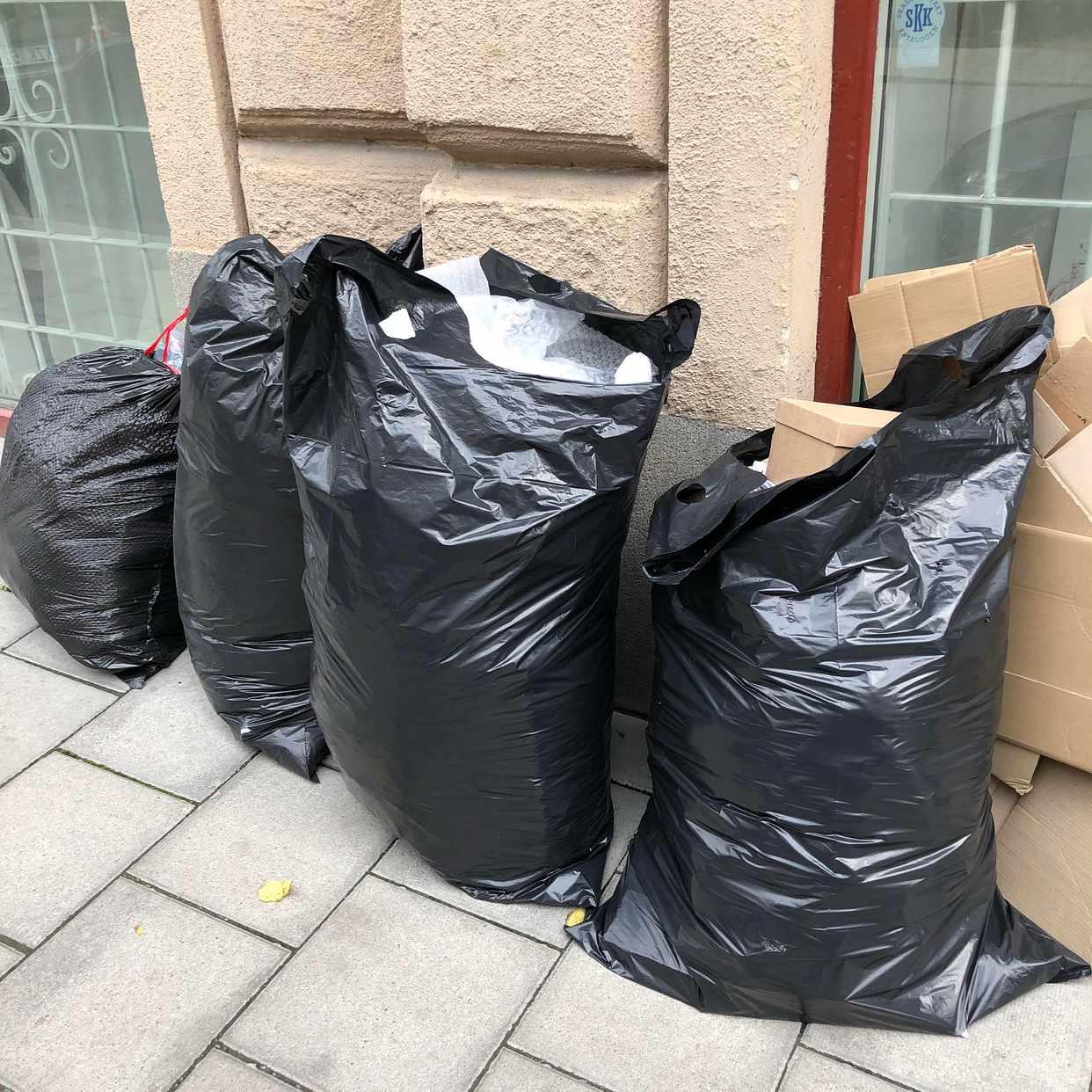 image of 4 lätta sopsäckar / papp - Stockholm