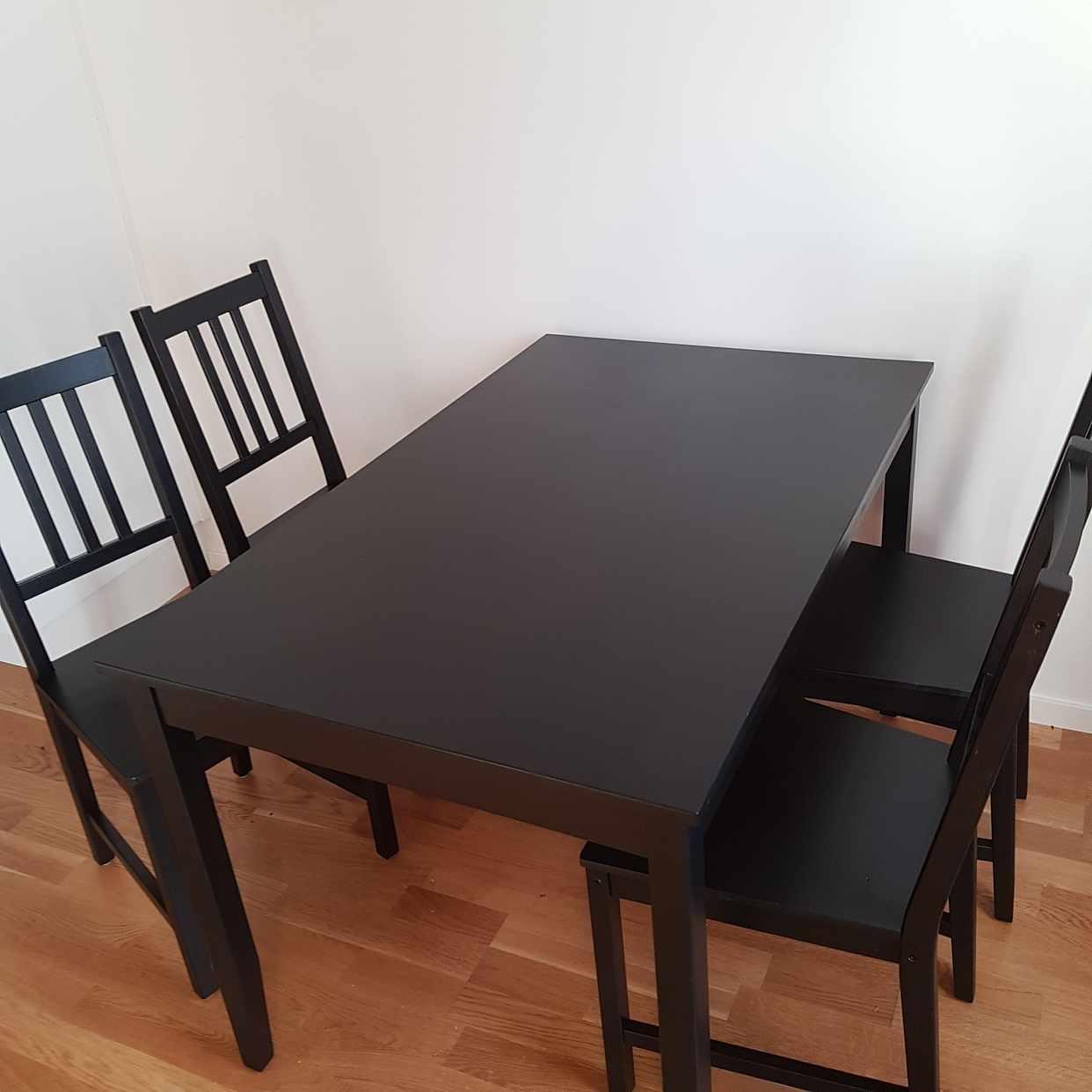 image of Bord med 4 stolar - Järfälla