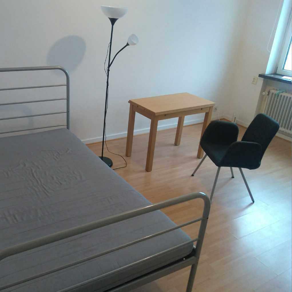 image of Säng,bord,lampa.. - Malmö