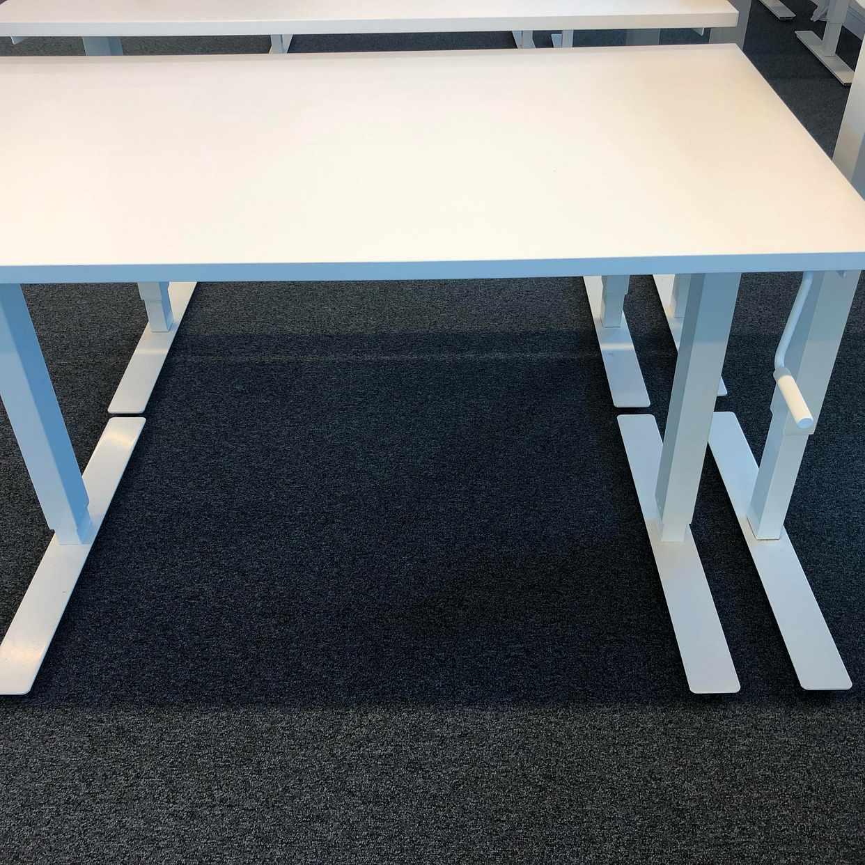 image of 14 bord och 12 stolar! -