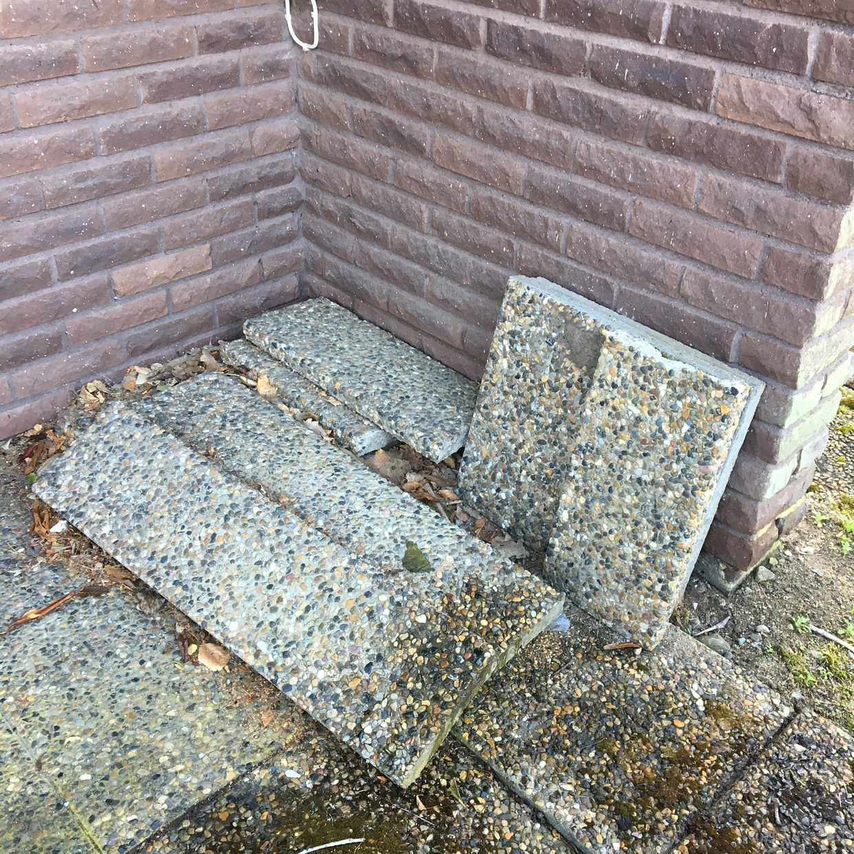 image of Trädgårdsavfall+stenplatt - Askim