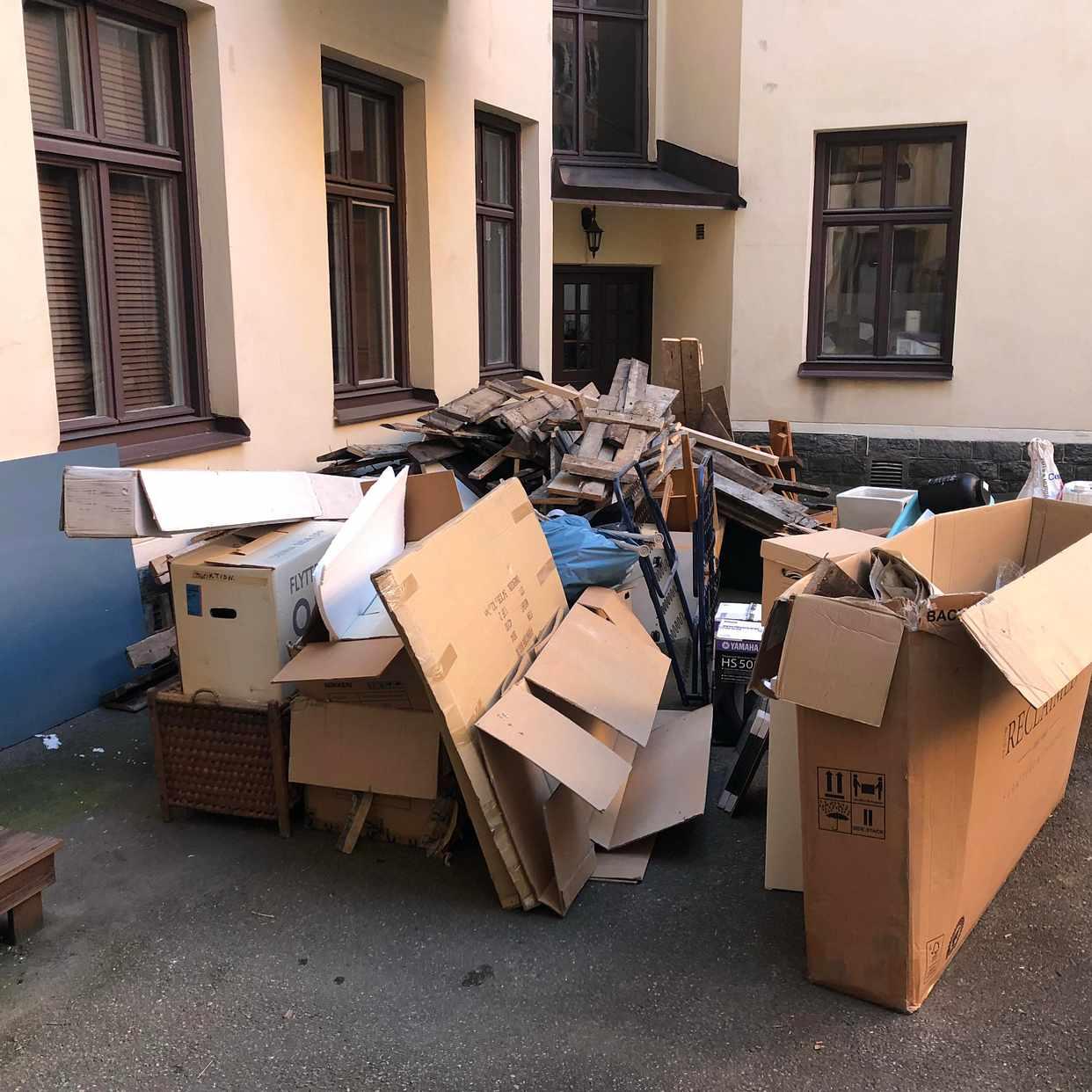 image of Plank, kartonger +diverse - Stockholms Stad