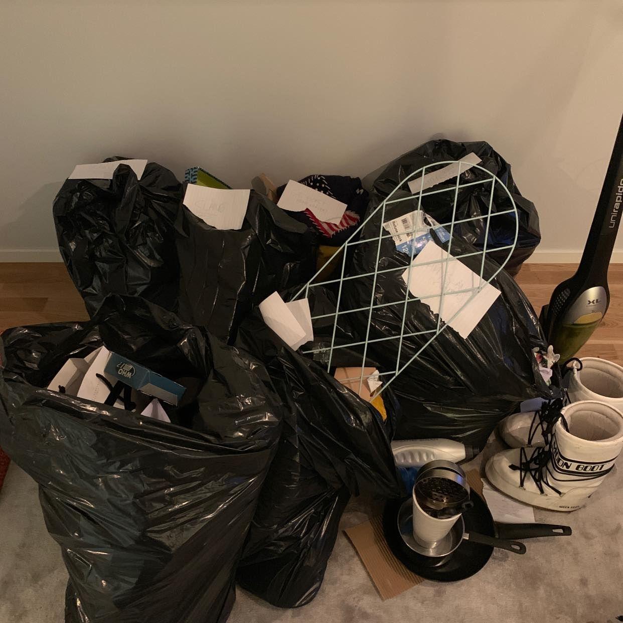 image of 6 ganska lätta sopsäckar - Stockholm