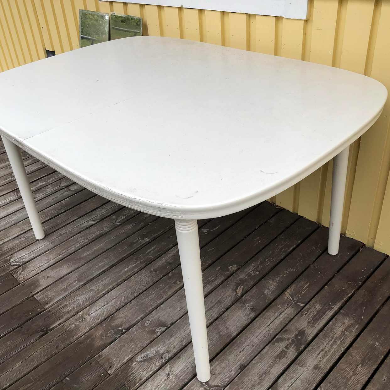 image of Matbord med iläggsskiva - Täby