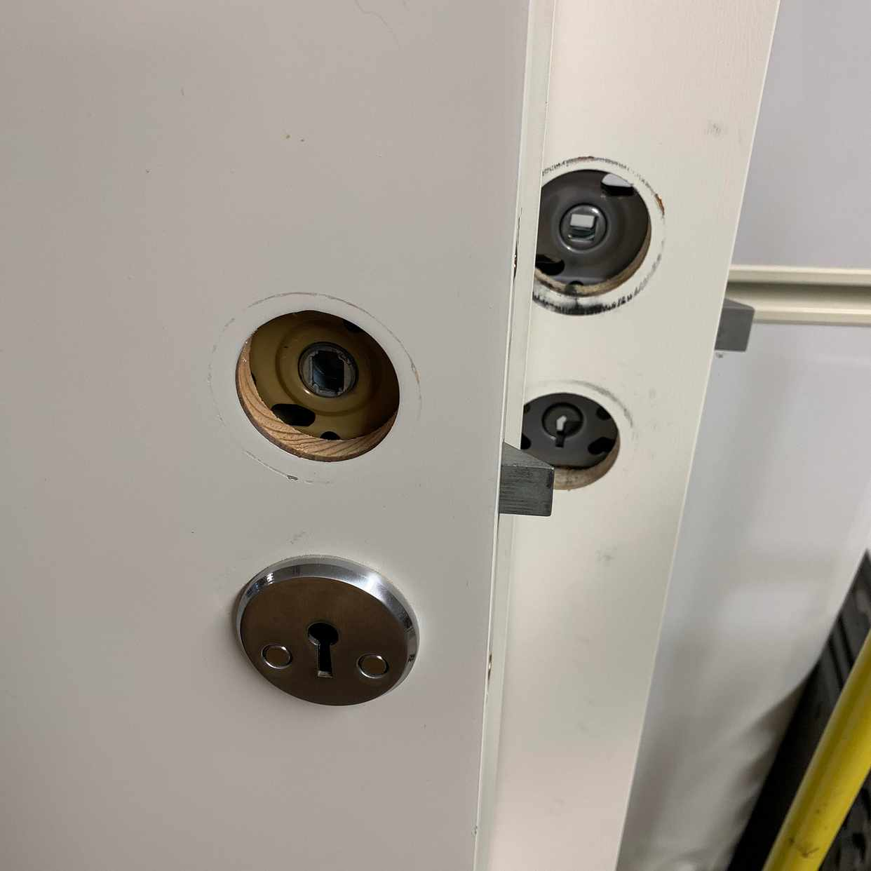image of 3 dörrar skänkes 72 cm - Täby
