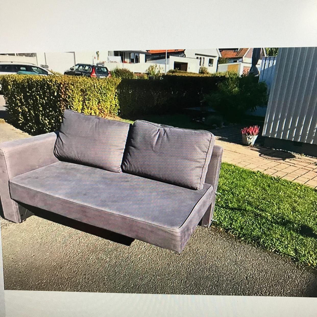 image of Move small sofa -