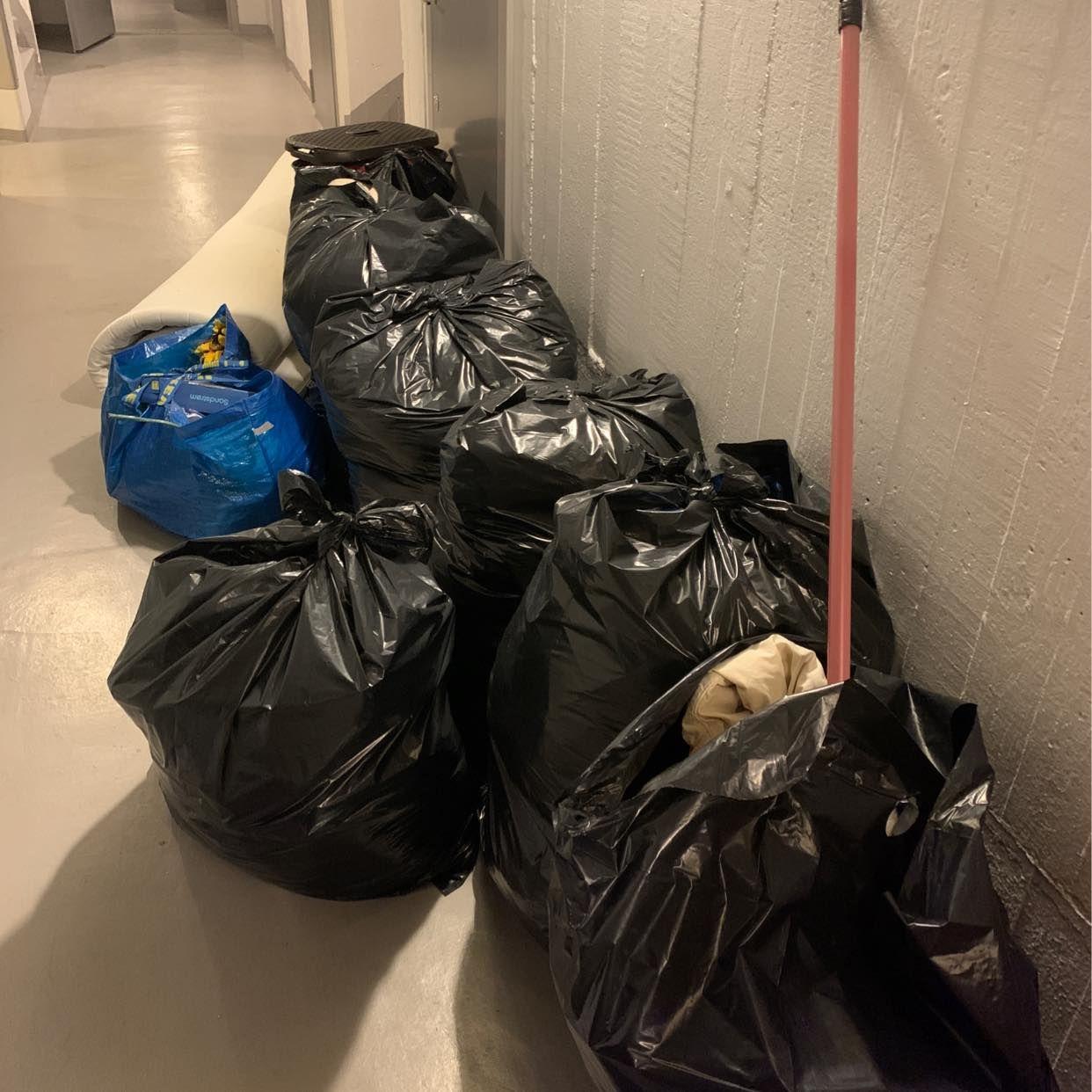 image of Lätta sopsäckar madrass - Stockholms Stad