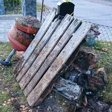 image of Diverse till återvinning. - Saltsjö-boo