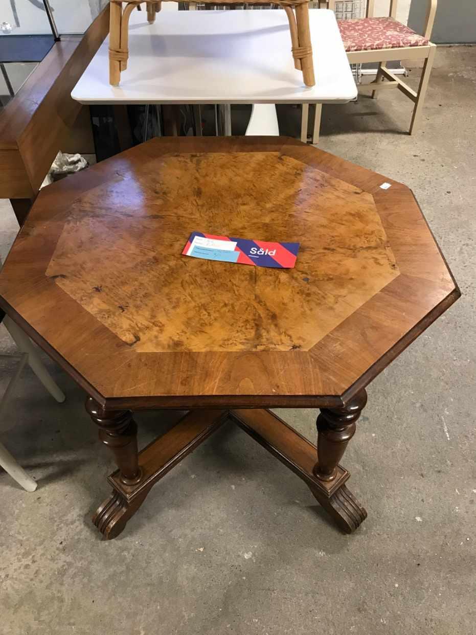 image of runt litet bord 80x80 cm  -