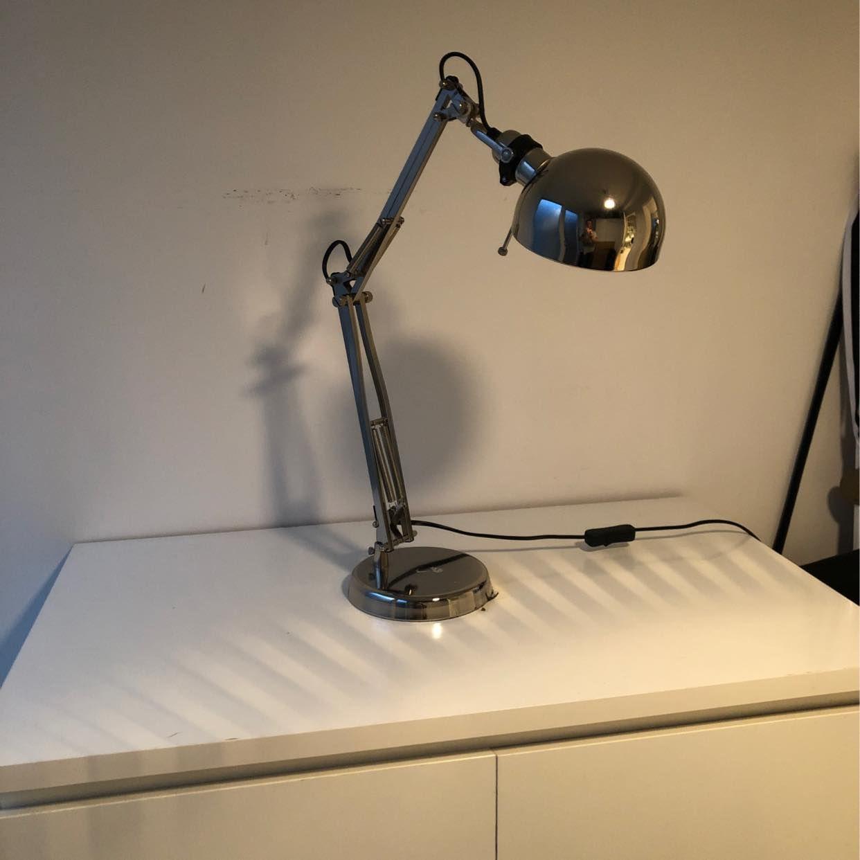 image of Ikea byrå Malm+ Lampa - Täby