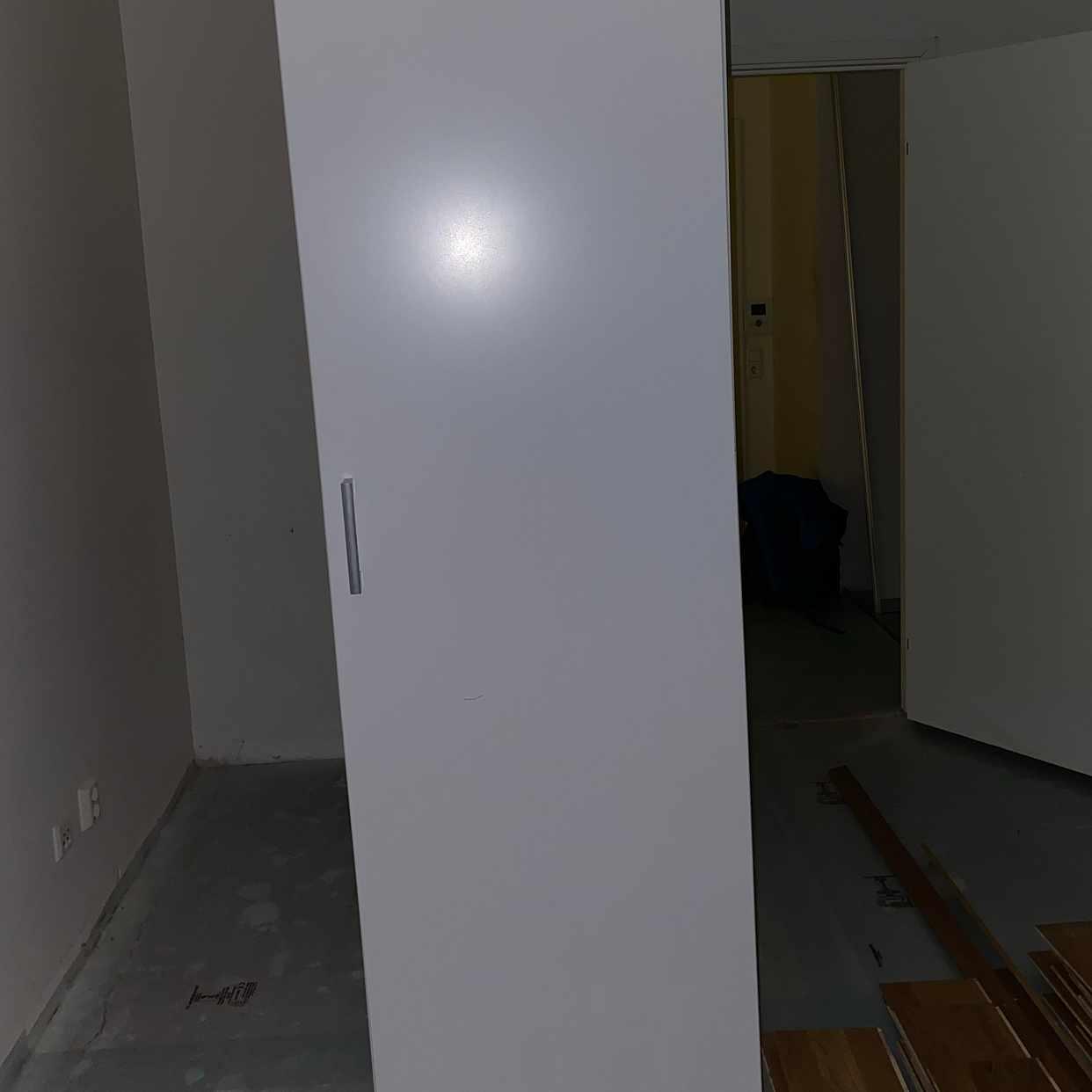 image of 3 garderober 1 kyl/frys - Stockholm