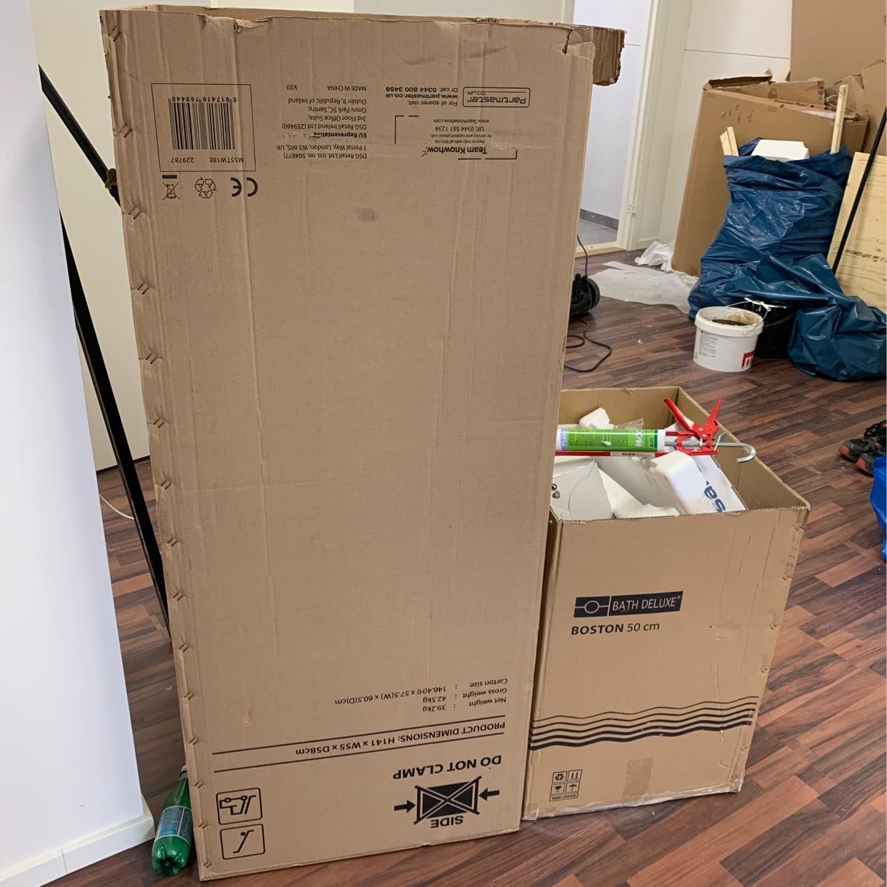 image of Karton,plywood ,plastbak - Huddinge