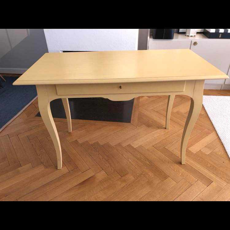 image of Desk for delivery -
