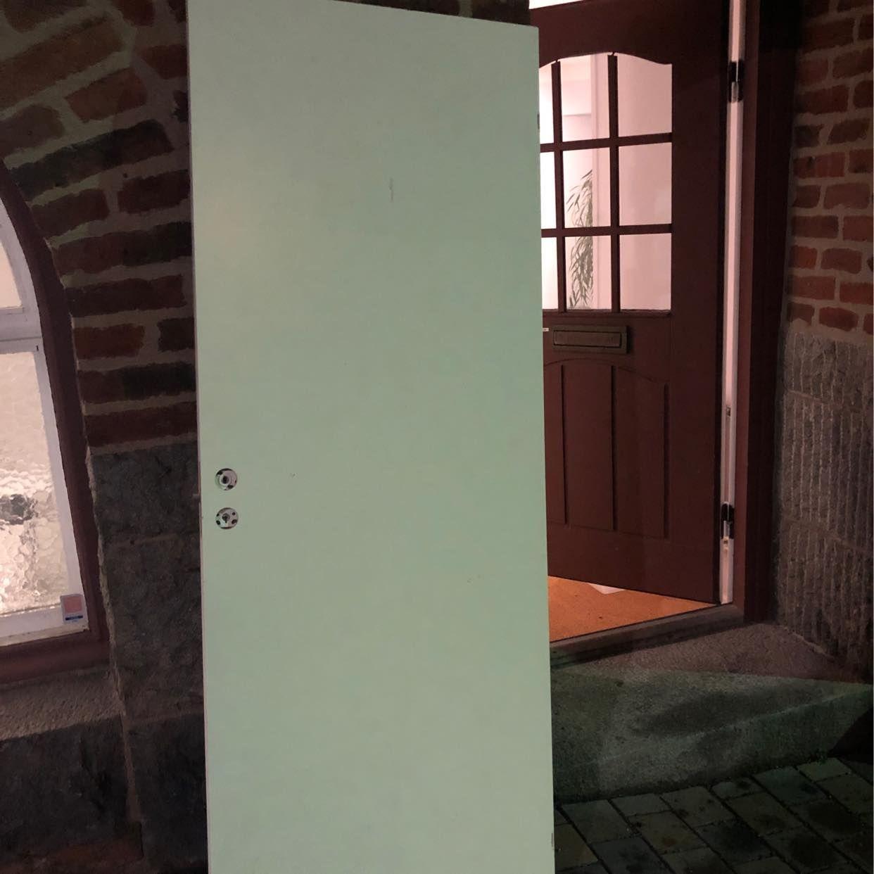 image of Återvinning och dörr - Stockholm
