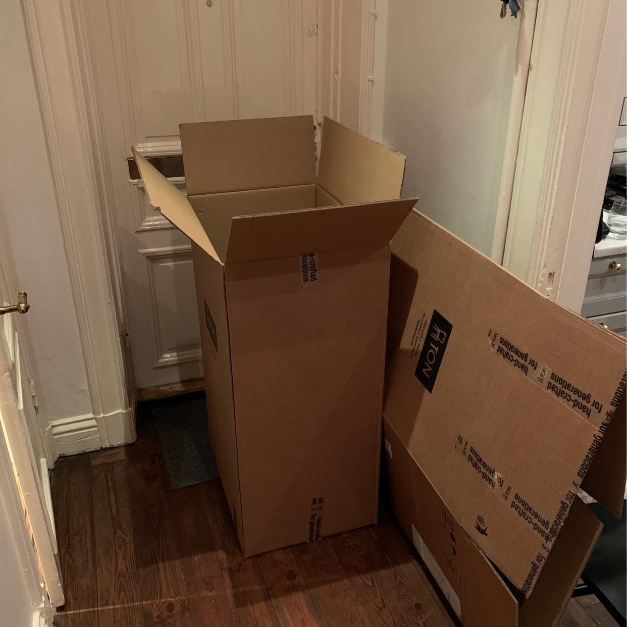 image of 2 kartonger, plast, glas - Stockholms Stad