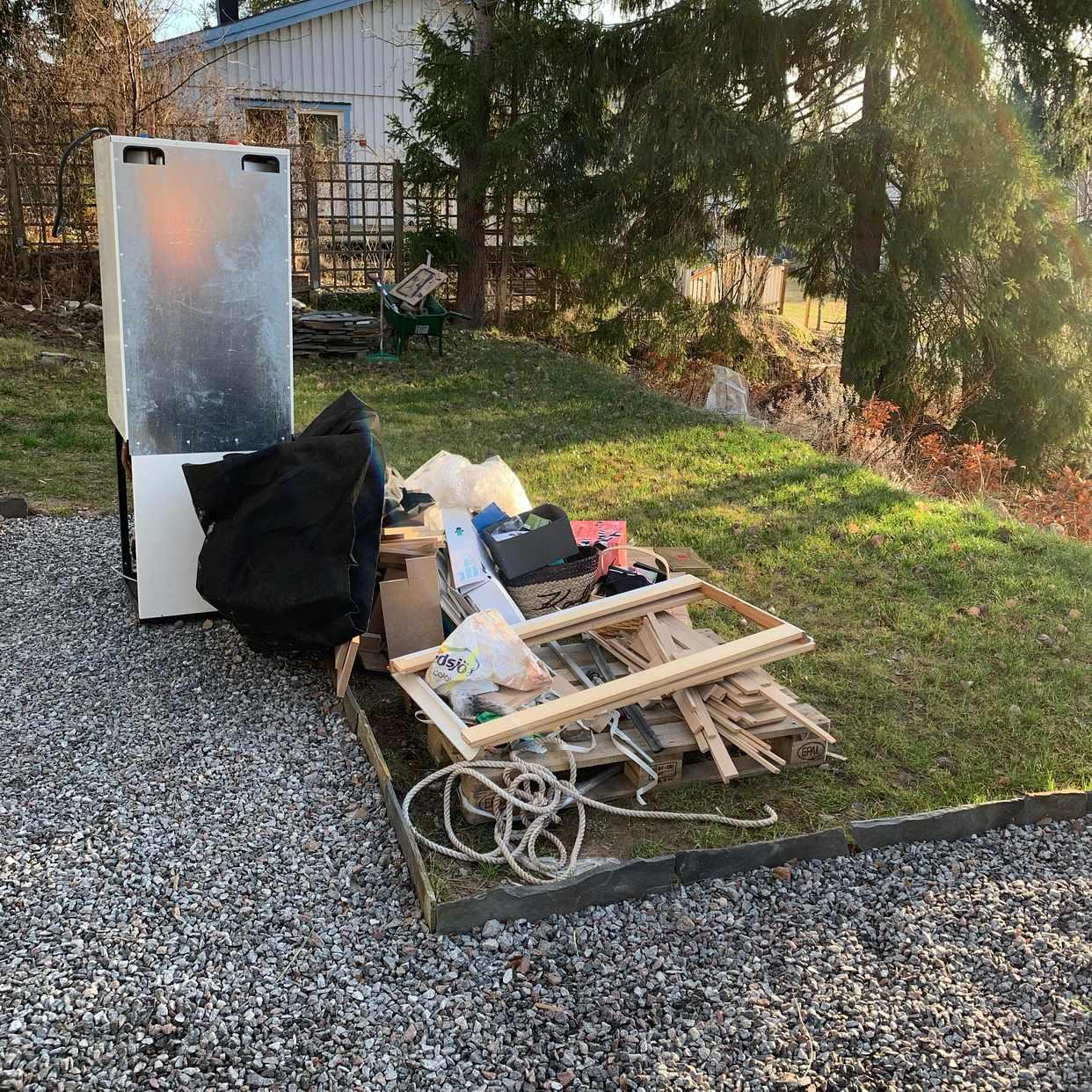 image of Skräp + pump - Sollentuna