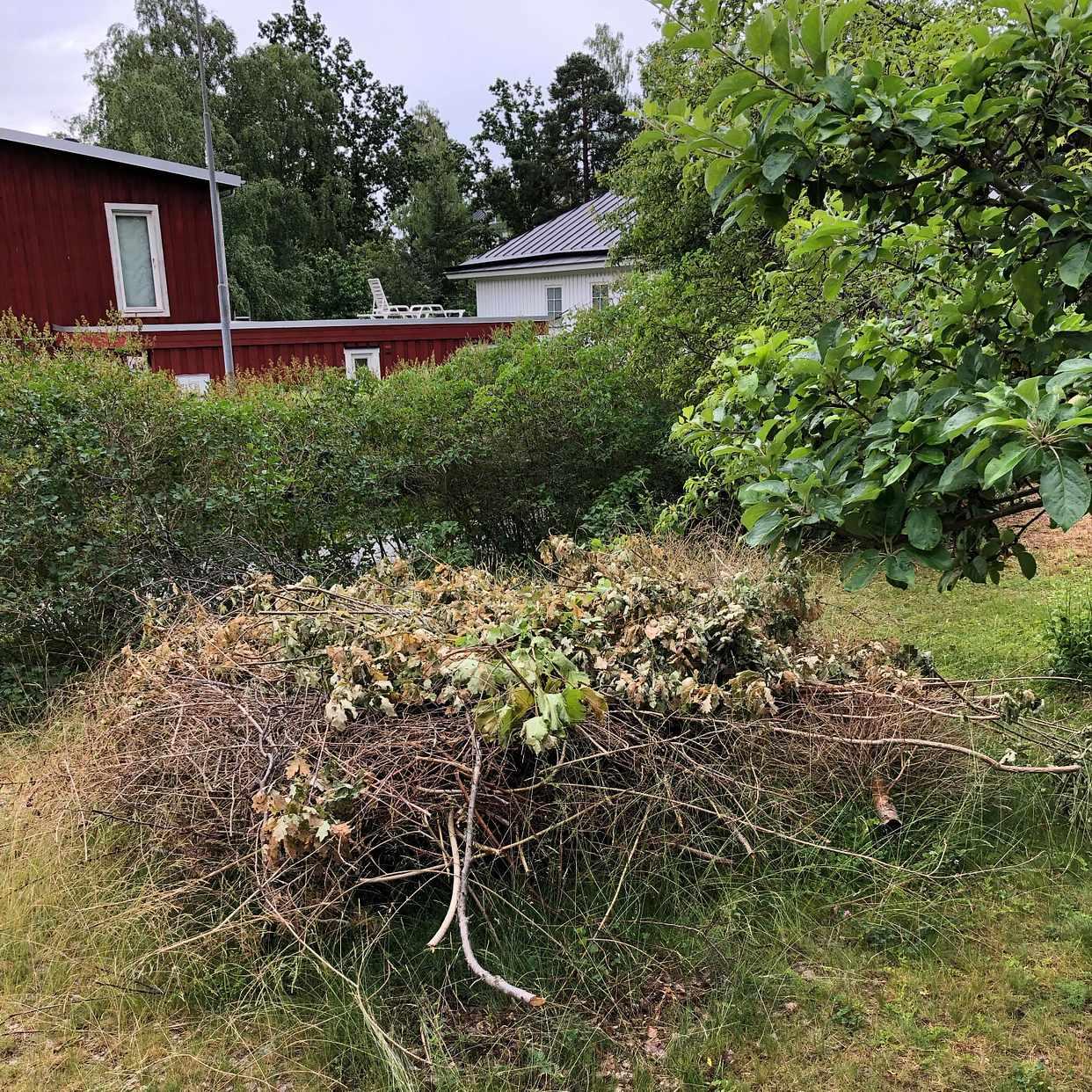 image of Transport of garden waste - Täby