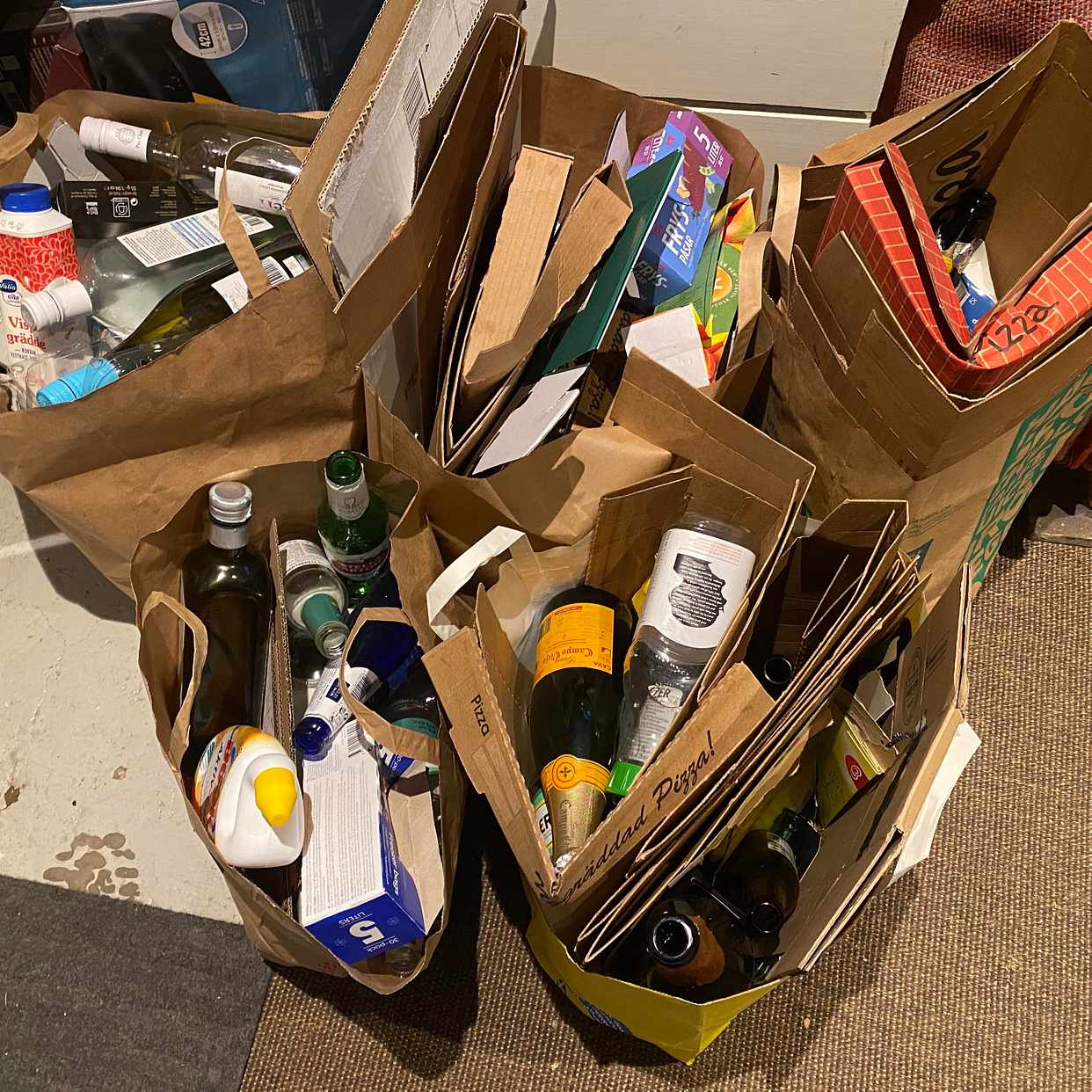 image of 5 kassar med återvinning - Älvsjö