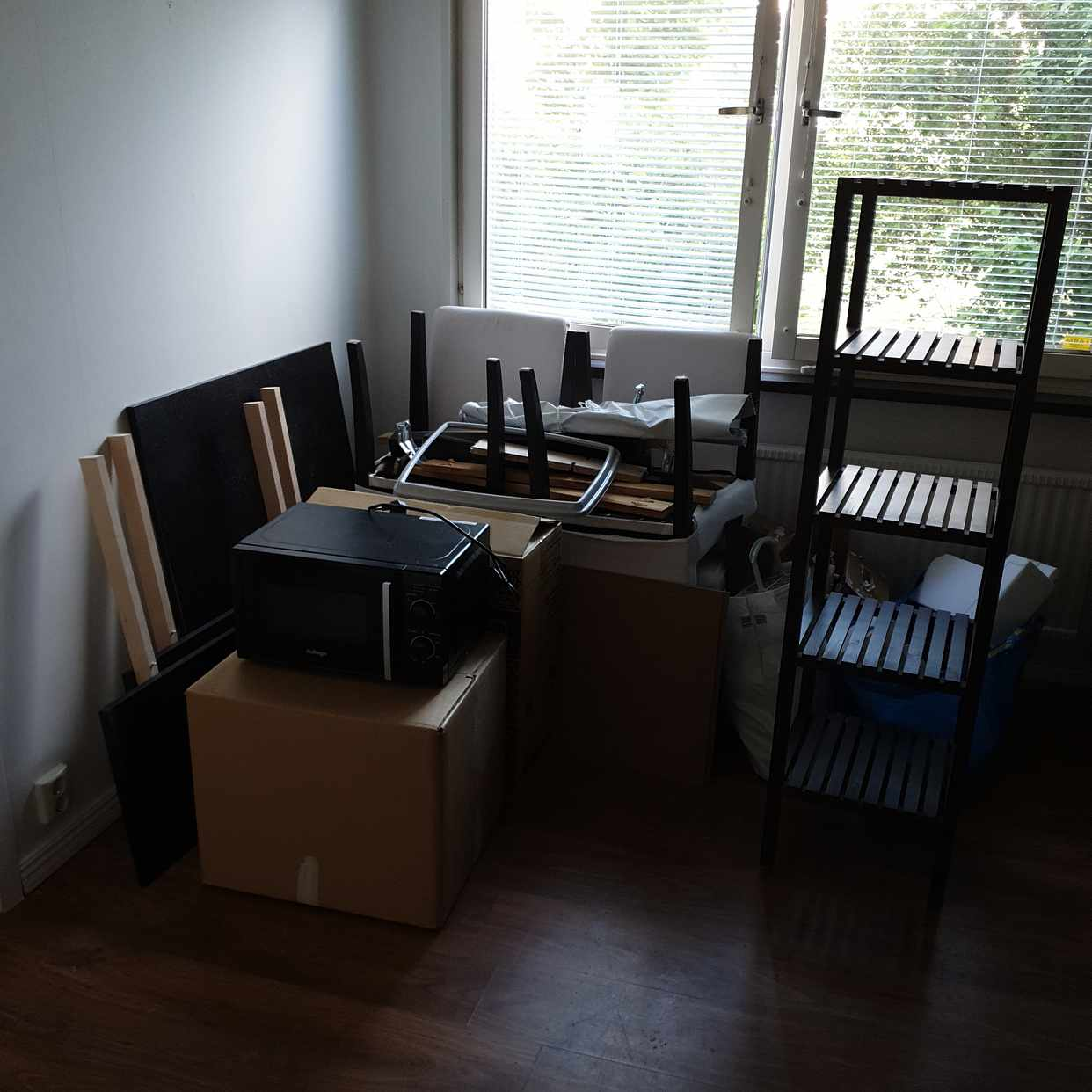 image of Takeaway items (scrap) - Handen