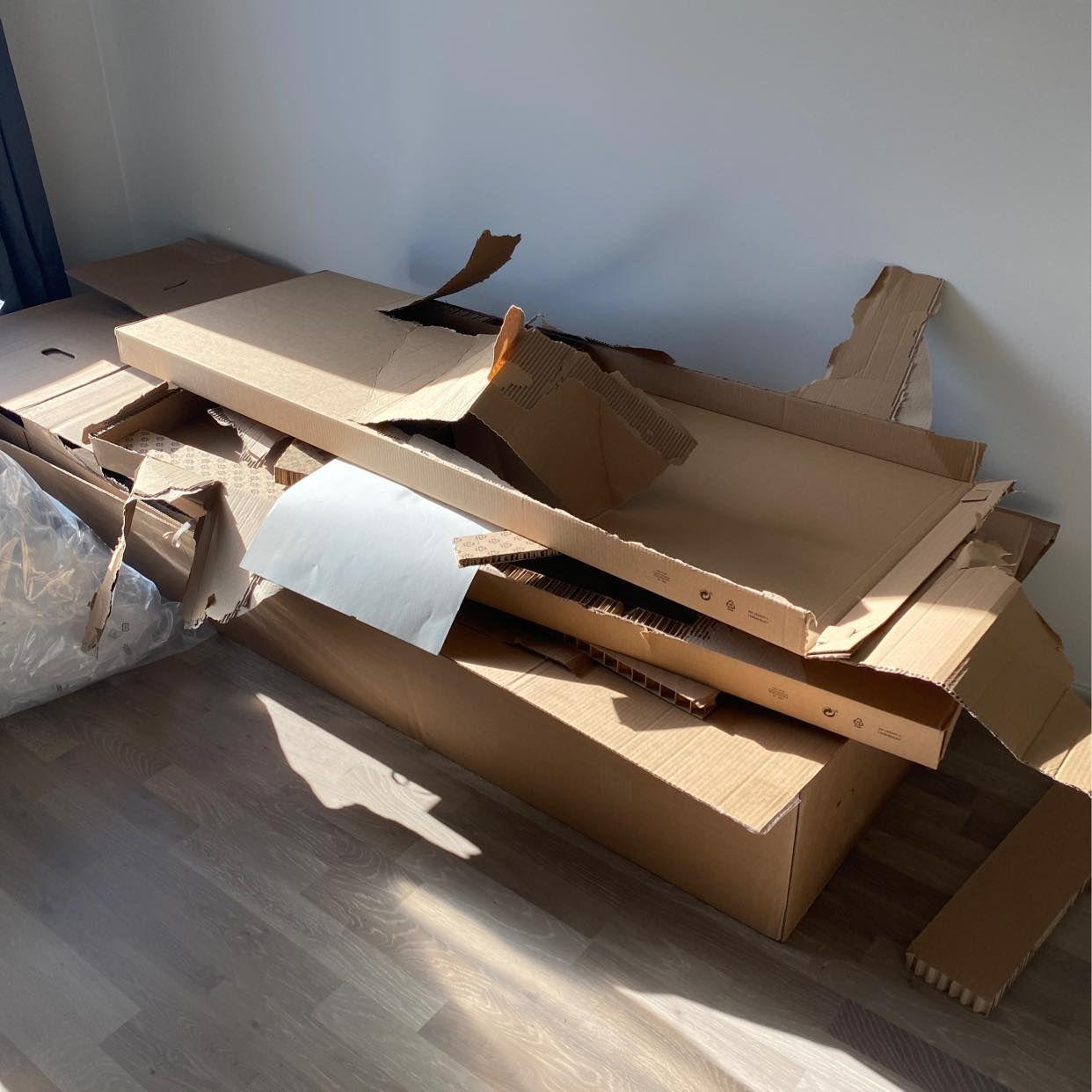 image of Hämtning av kartonger - Botkyrka