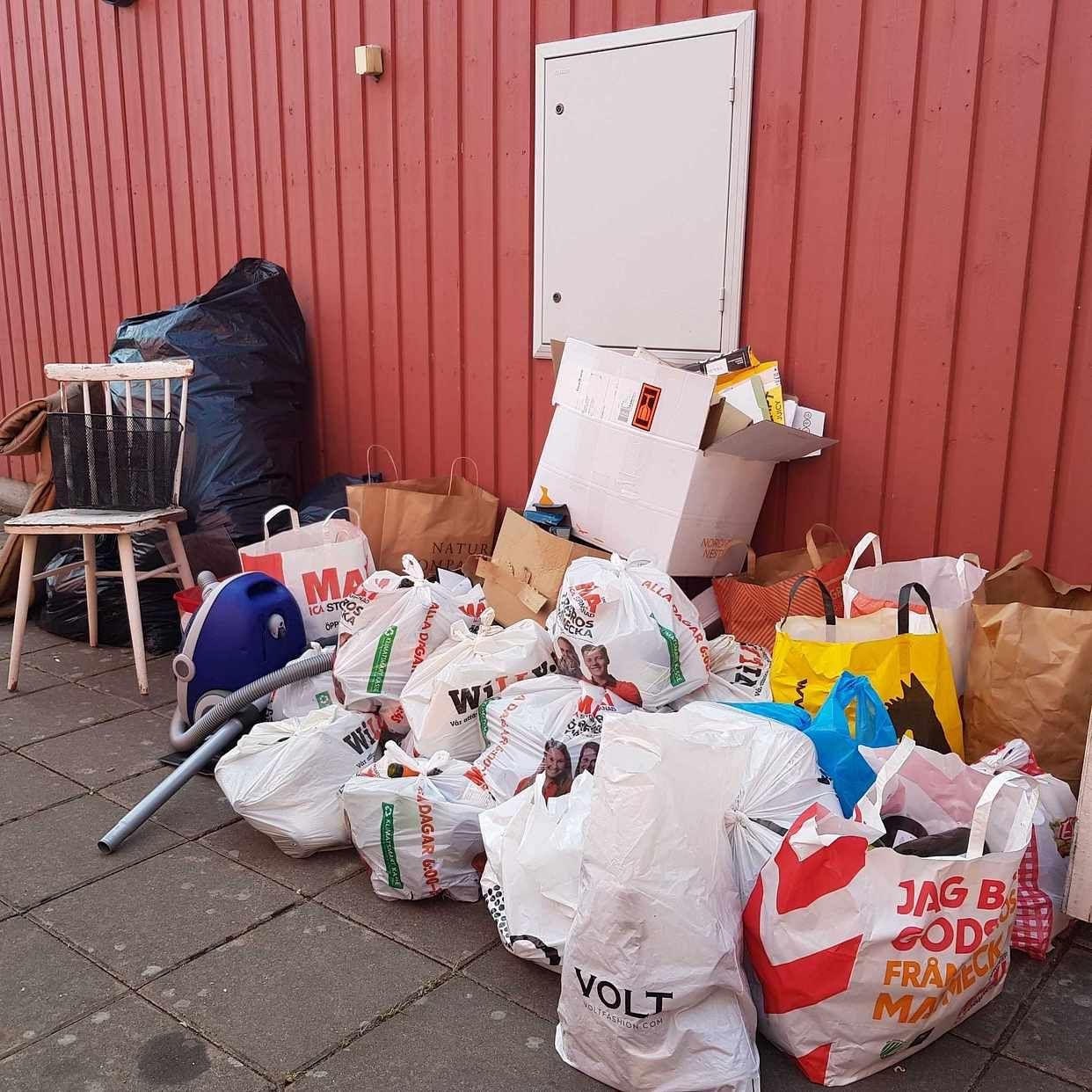 image of Tomglas, kartonger mm. - Örebro