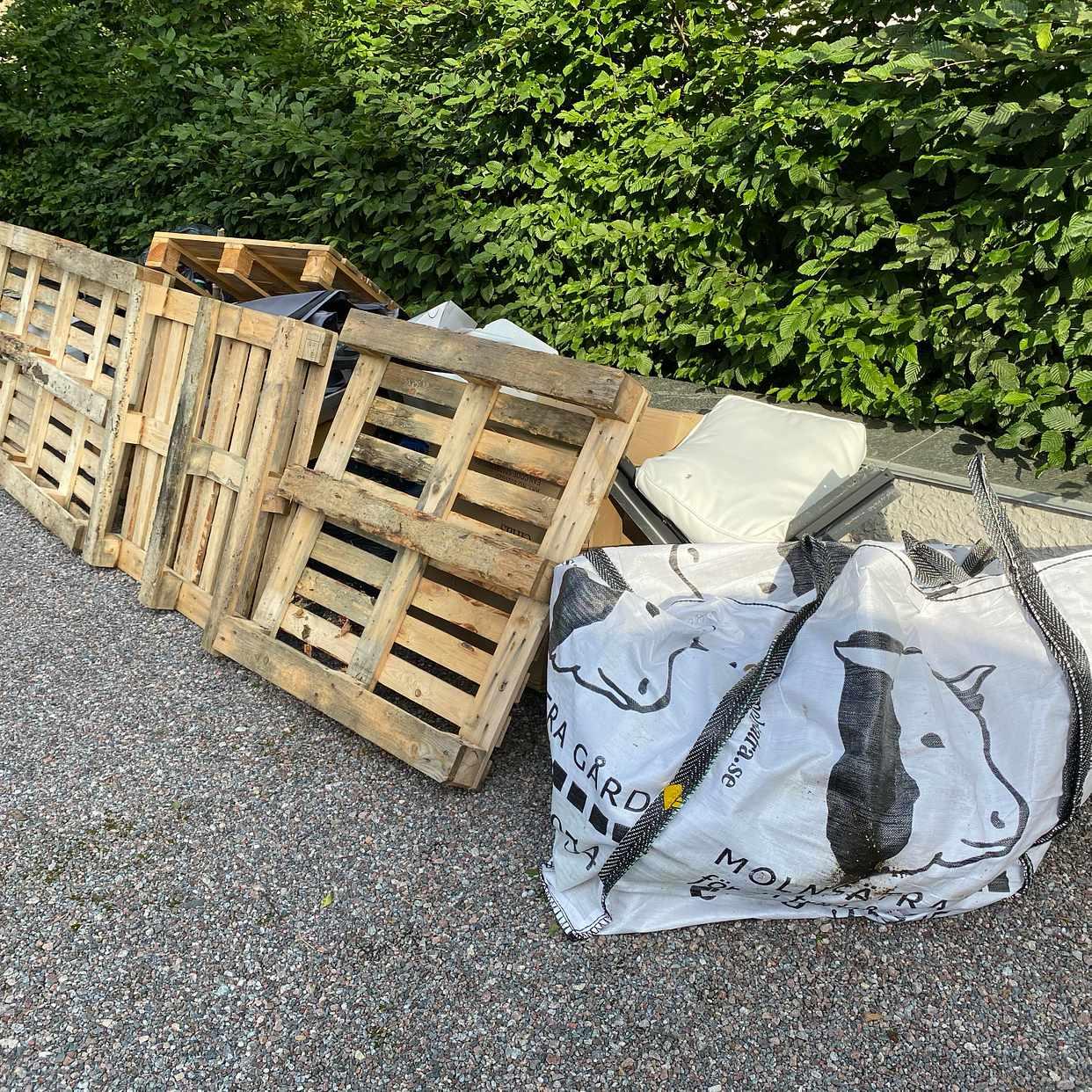 image of Pallar, kartonger mm - Djursholm