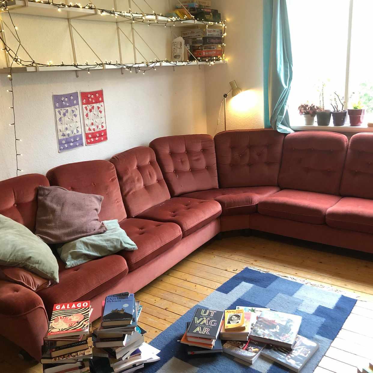 image of Trasig soffa och fåtölj - Göteborg